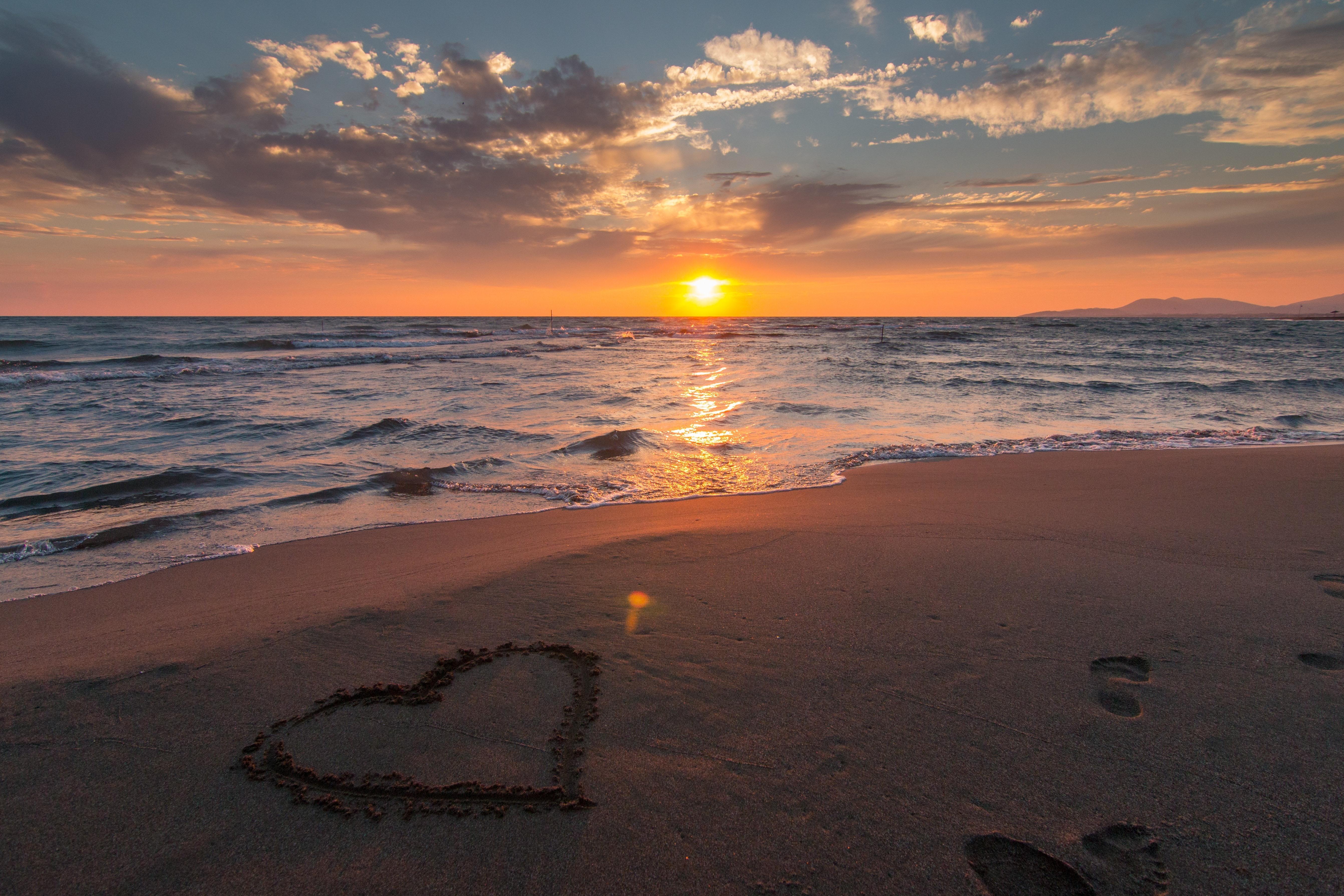 art-beach-beautiful-269583 (1)